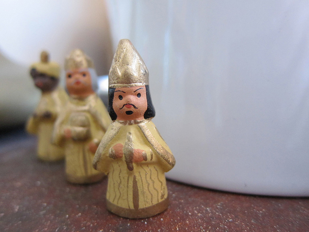 clay figures of the three kings