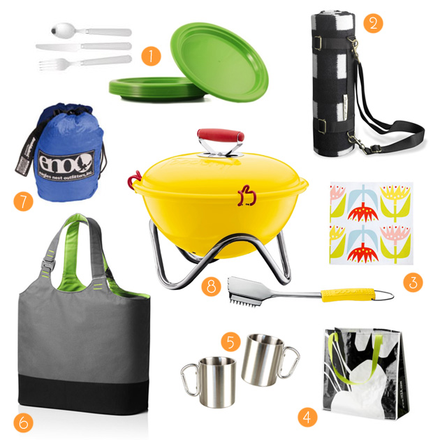 our picnic kit from bags to plates and our favorite mini grill and blanket